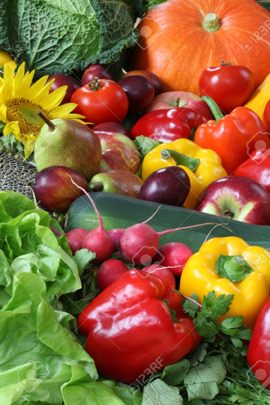 Heap of veggies and fruits for wallpaper Stock Photo - 15527011