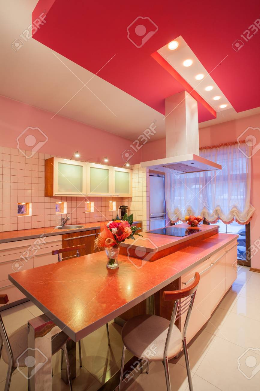 Amaranth house - Interior of a pink kitchen Stock Photo - 17700762