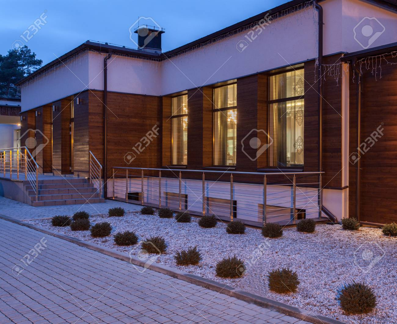 Woodland hotel - Modern and designed building Stock Photo - 18253398