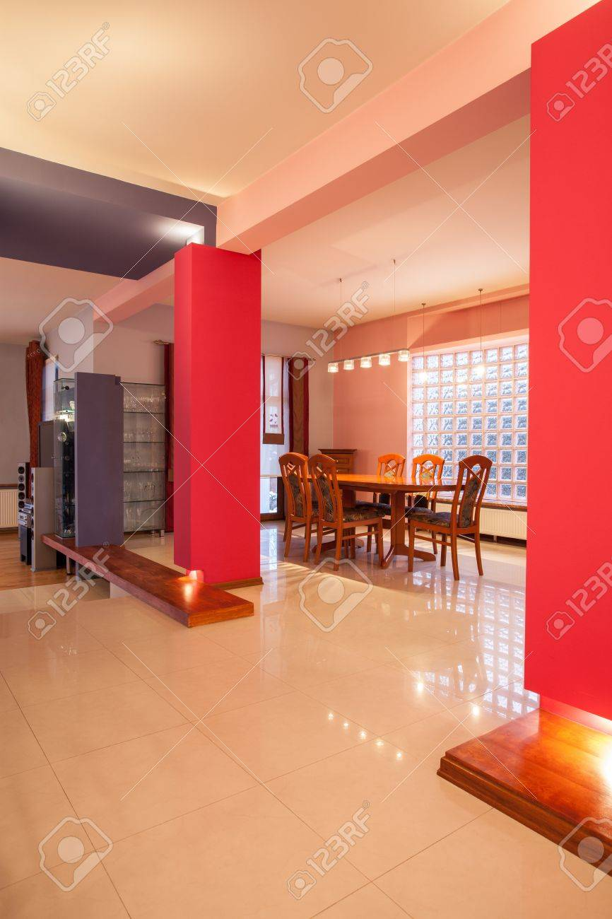 Amaranth house - interior with positive colorful walls Stock Photo - 18783856
