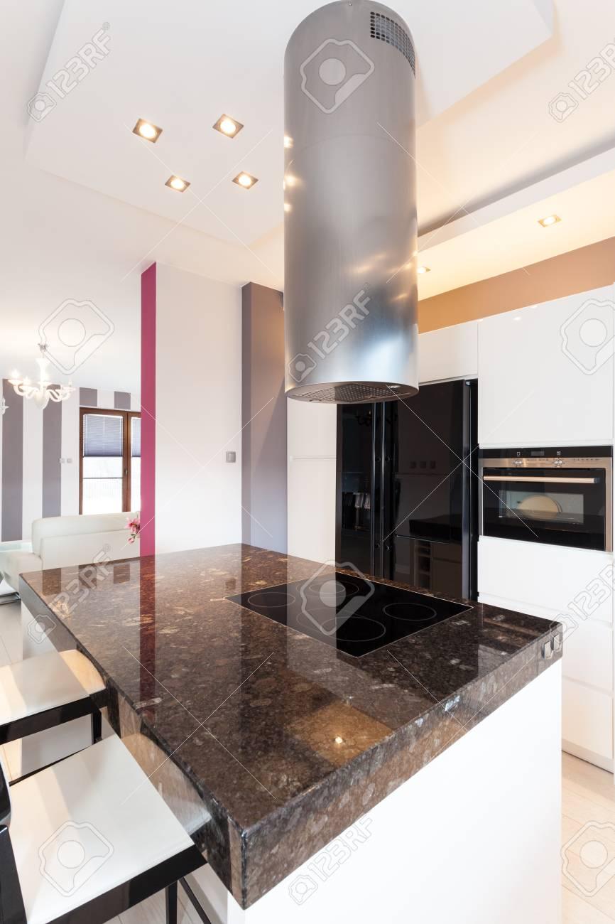 Vibrant cottage - stone countertop and kitchen furniture Stock Photo - 18815715
