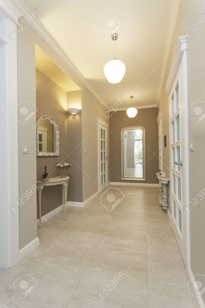 Tuscany - corridor of classic bright interior Stock Photo - 18918201