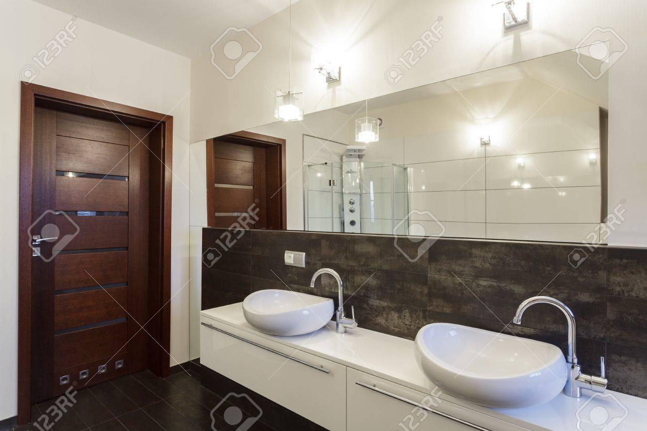 grand design - zwei waschbecken in der zeitgenössischen badezimmer, Hause ideen