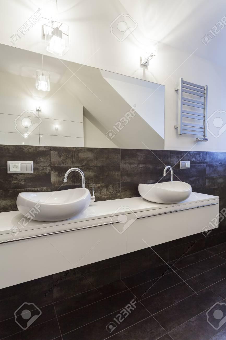 Grand design - white bathroom counter Stock Photo - 19058467