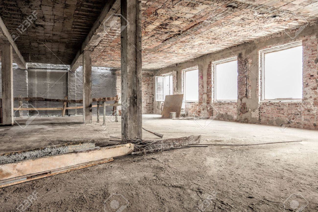 Interior of an empty old house structure Stock Photo - 19913370