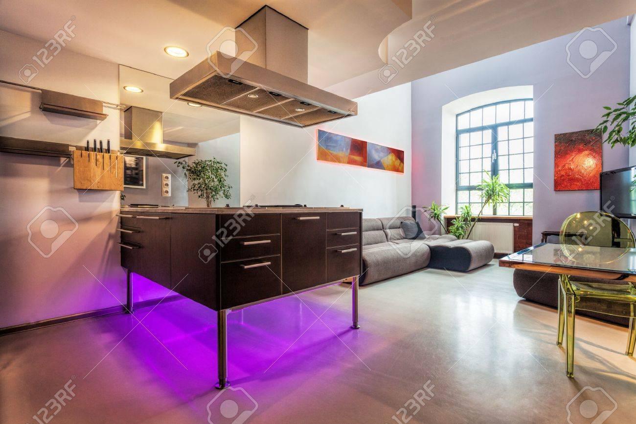 Modern loft inredning, kök och vardagsrum royalty fria stockfoton ...