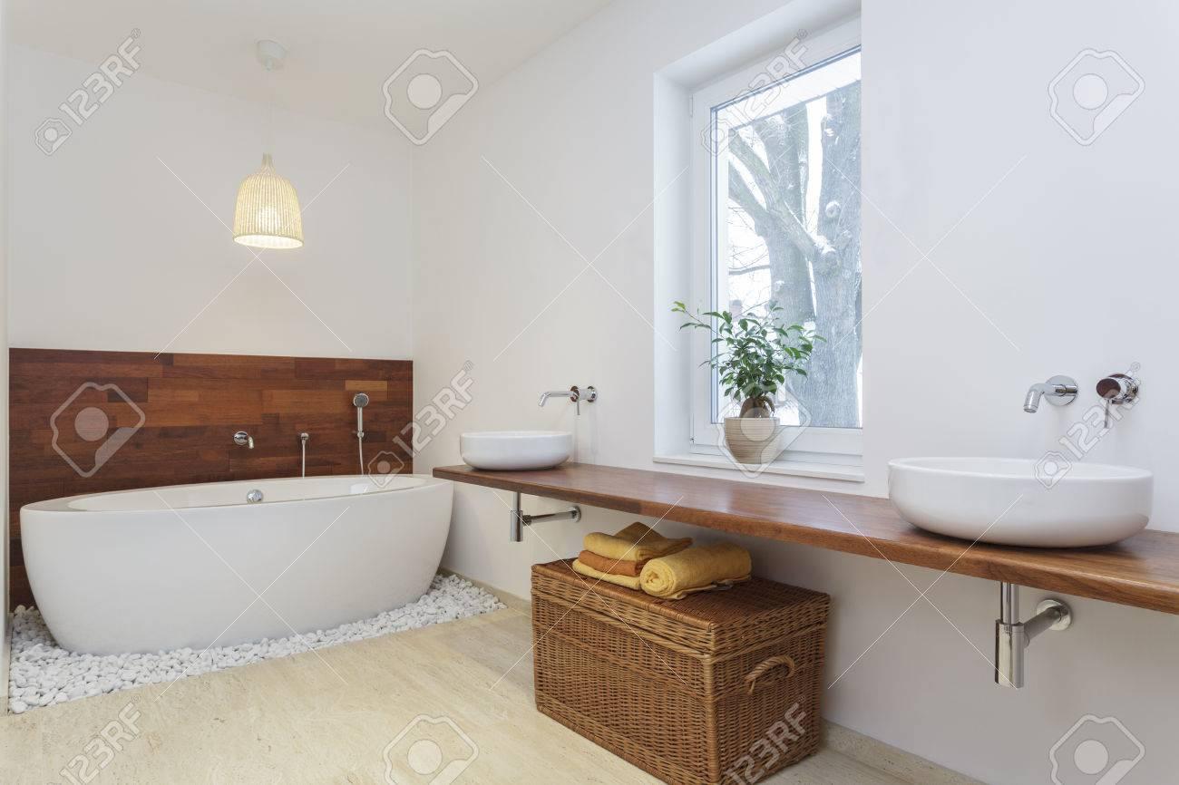Salle De Bain Qui Pue L'Humidite ~ int rieur de salle de bains dans un style africain banque d images