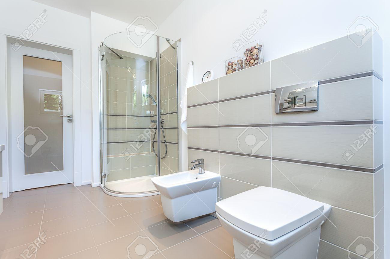 bagno moderno con doccia. bagno moderno con doccia grigio sfondi ... - Progetti Bagni Moderni