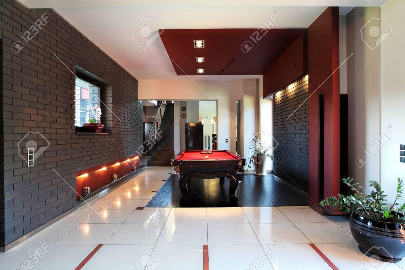 banque dimages intrieur moderne avec table de billard dans le salon