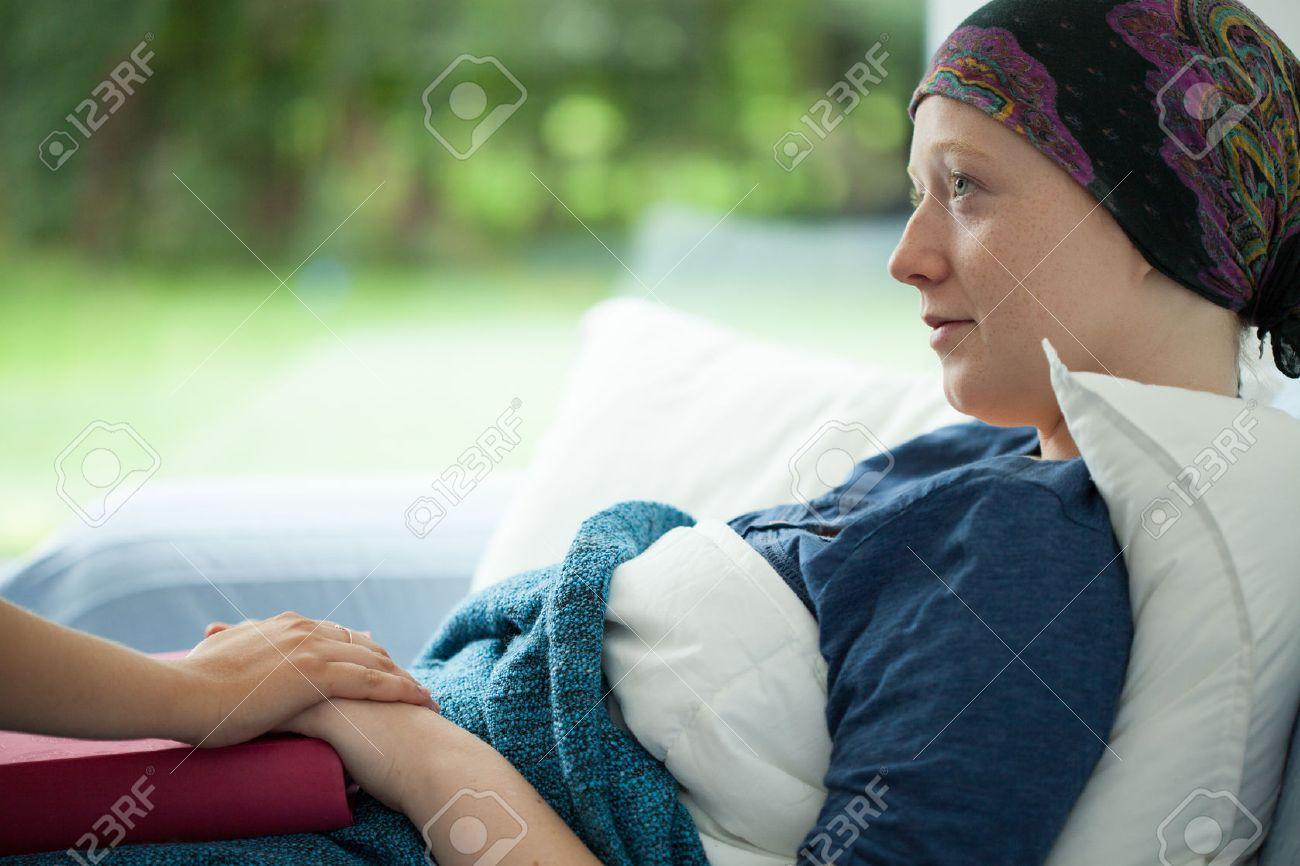 Серьёзная дама раком фото 1 фотография