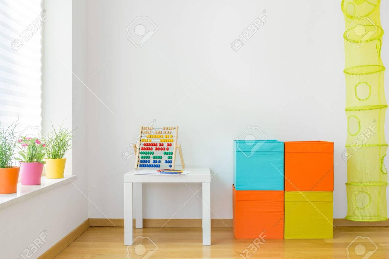 Bezaubernd Möbel Für Kinderzimmer Foto Von Blick Auf Farbenfrohe Möbel Im Standard-bild -