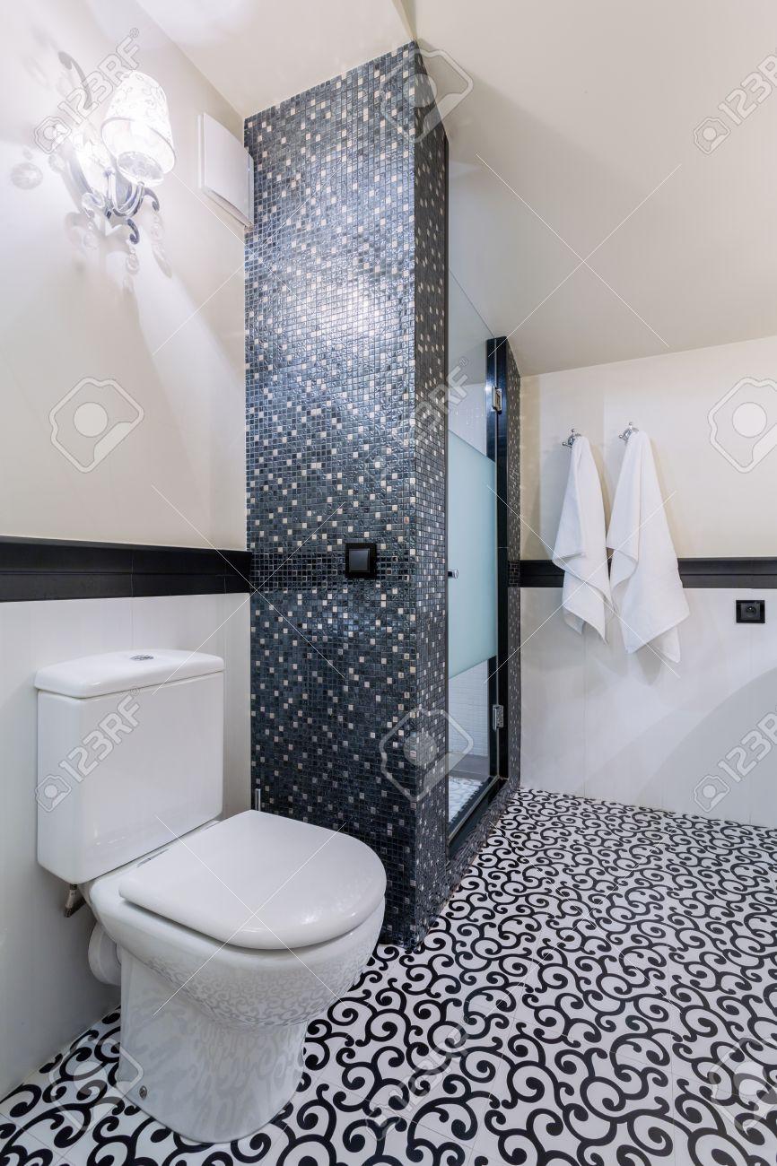 Salle De Bain Motif nouvelle salle de bain élégant noir et blanc avec motifs au sol