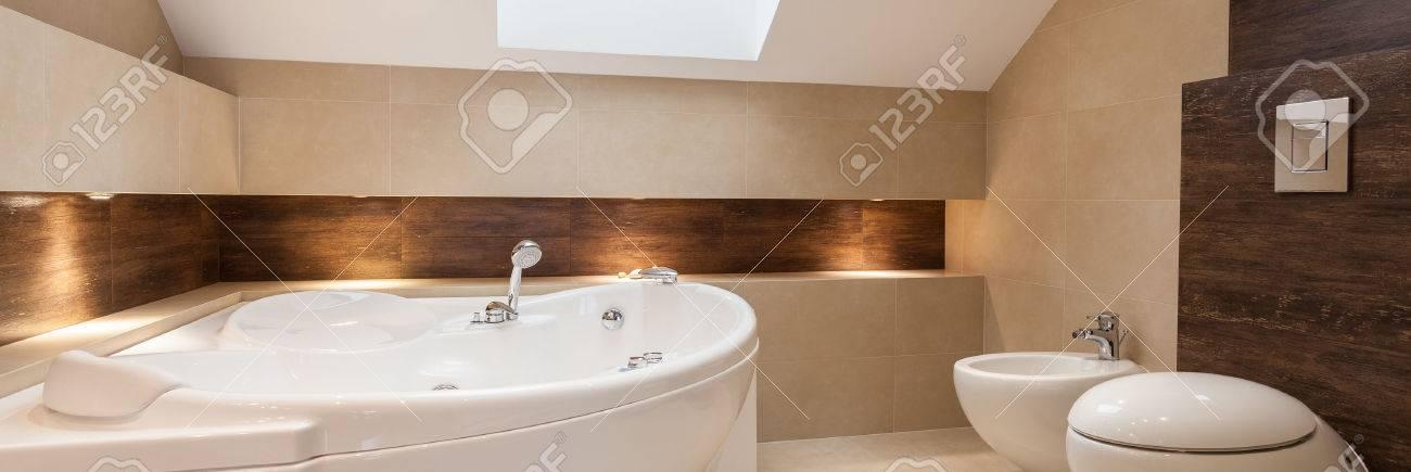 bagni moderni foto royalty free, immagini, immagini e archivi ... - Bagni Con Vasca Moderni