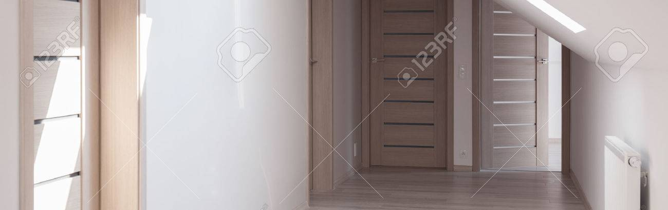 Incroyable Banque Du0027images   Porte Du0027entrée En Bois à La Grande Chambre Moderne