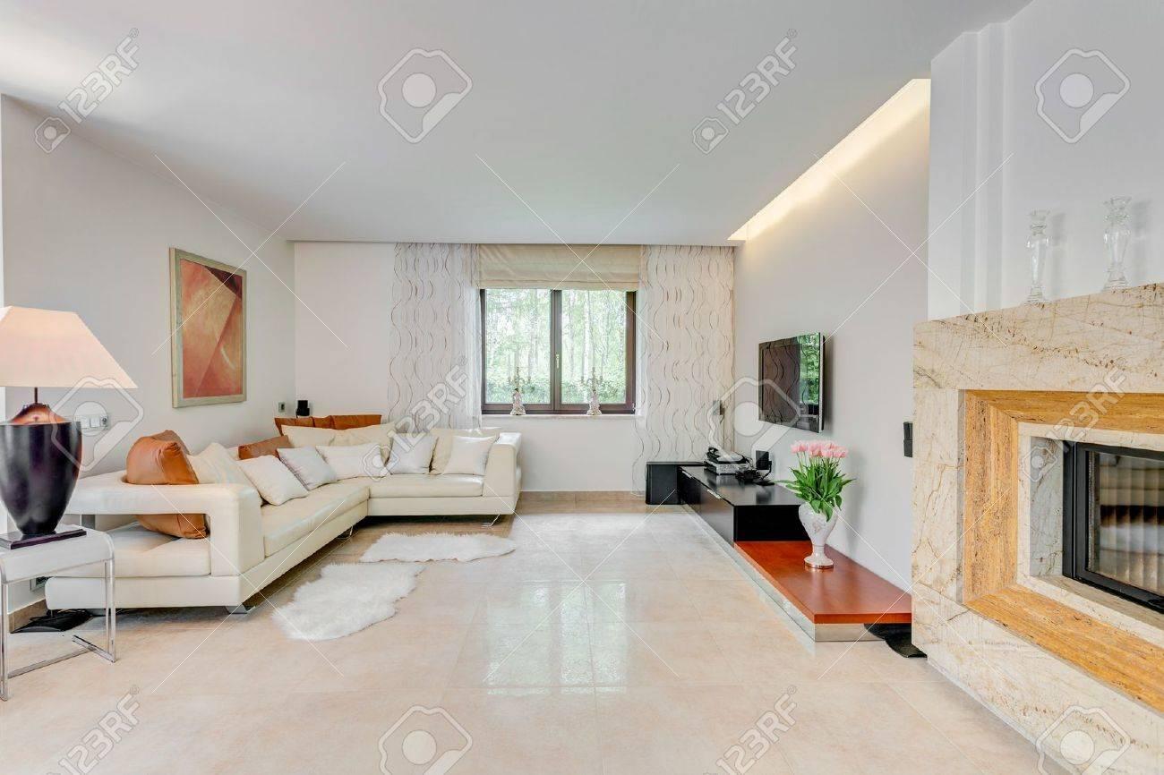 soggiorno moderno con camino foto royalty free, immagini, immagini ... - Soggiorno Con Camino Angolare 2