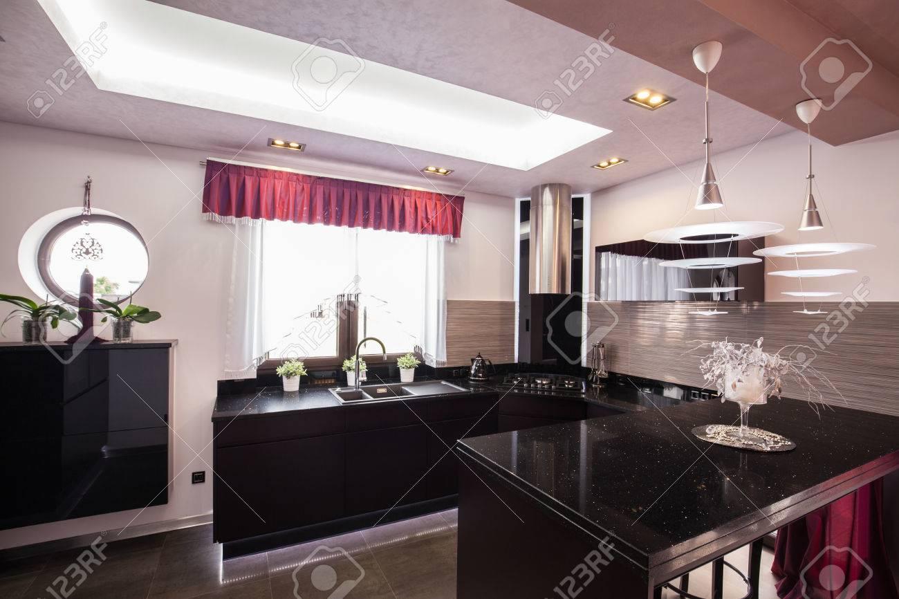 Interieur D Une Cuisine Moderne Dans La Maison De Luxe Banque D