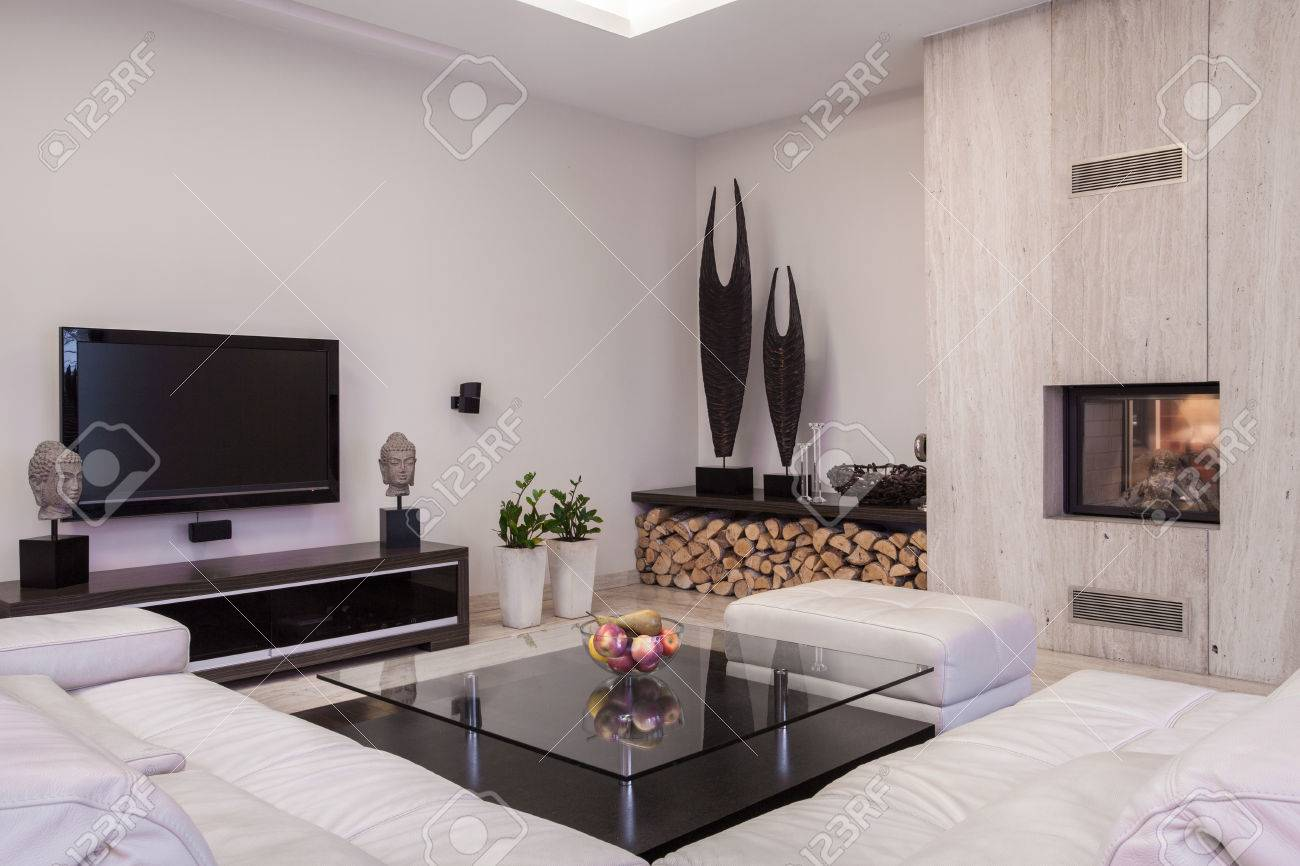 Sitting Room With Plasma Tv And Fireplace Stock Photo Picture And  # Decoration Tv Plasma Et Table