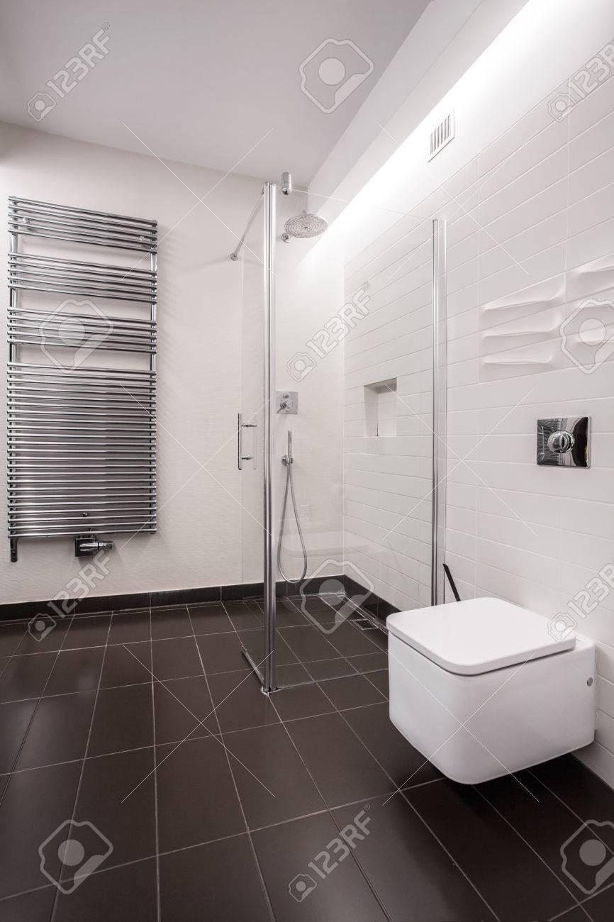 Kleines Bad Gestalten Fliesen Ideen Rosa Braun. Badezimmer Braune, Modern  Dekoo