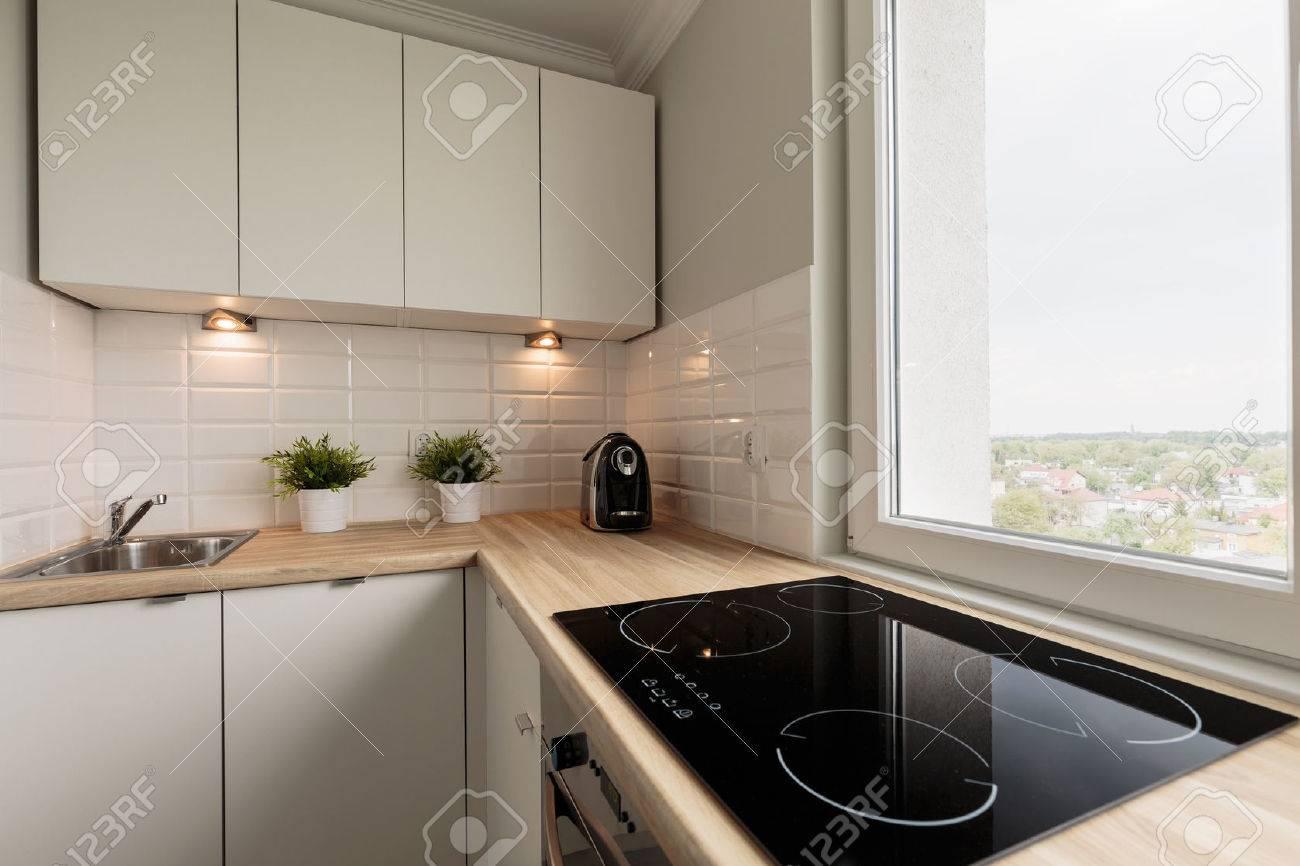 image de la lumière cuisine fonctionnelle dans la nouvelle plate