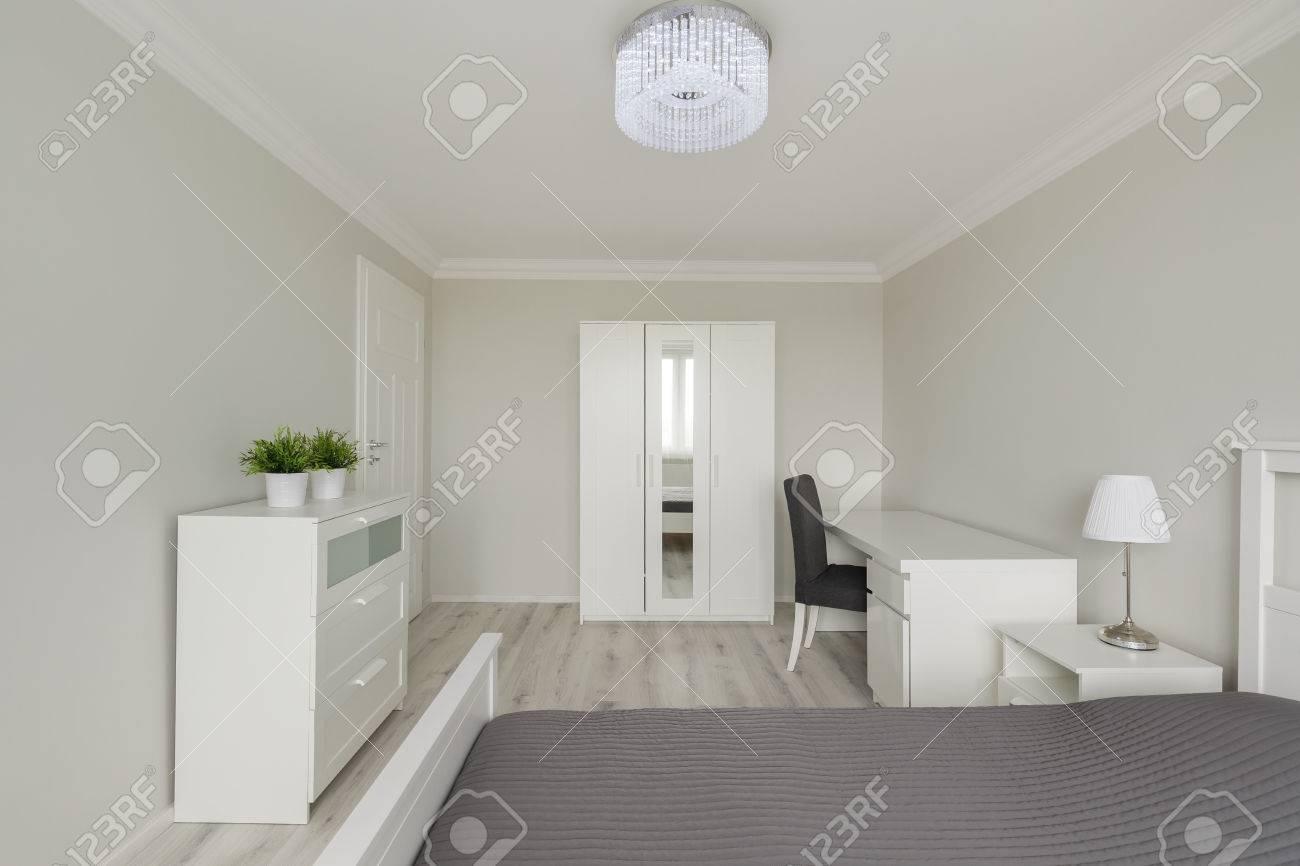 Foto Des Zeitgenössischen Designs Einfach Eingerichtet Weißen ...