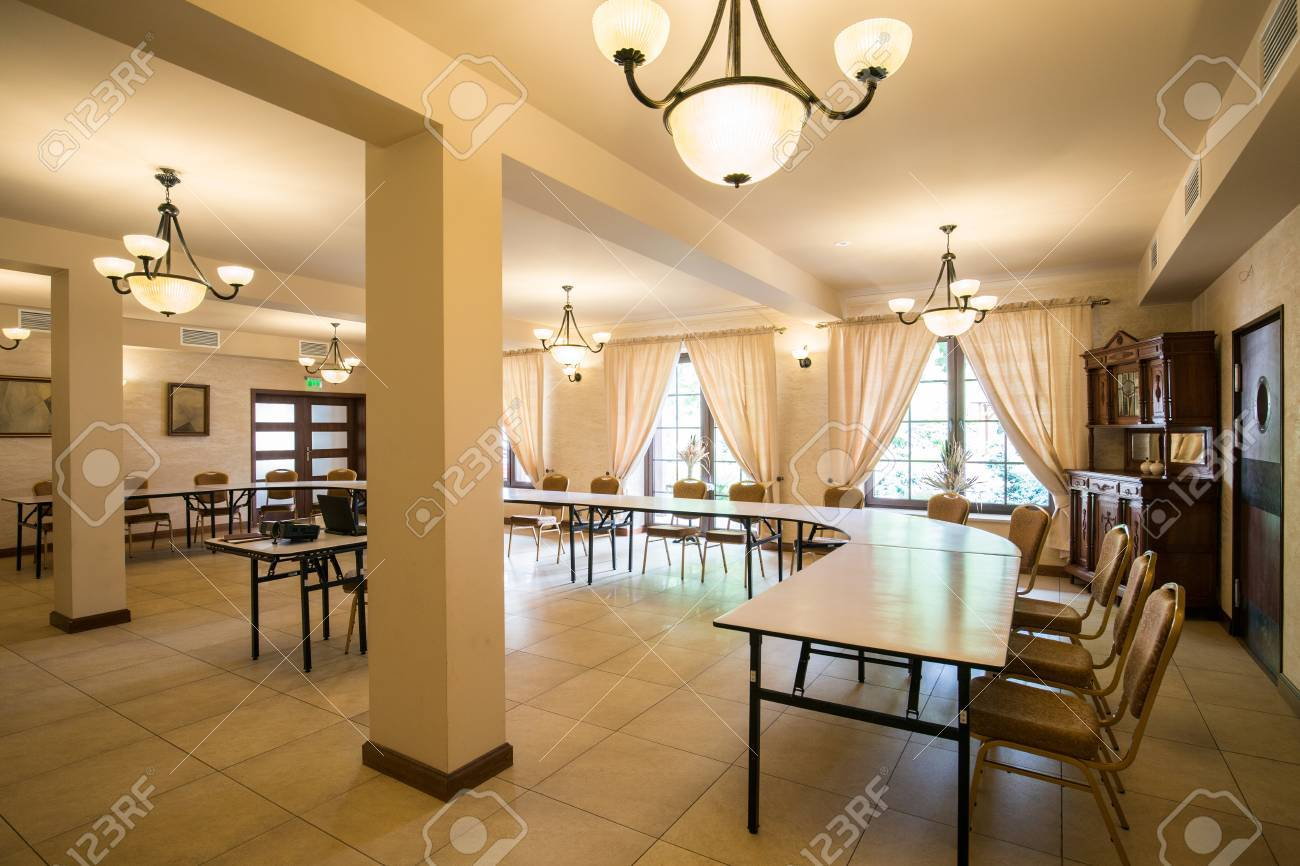 Salle de conférence d affaires dans le bureau de luxe élégant