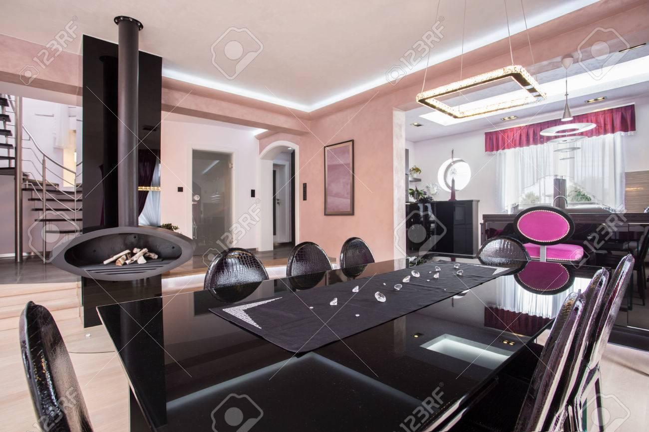 Luxueux Brillant Salle à Manger Dans La Maison Chic Moderne Banque D