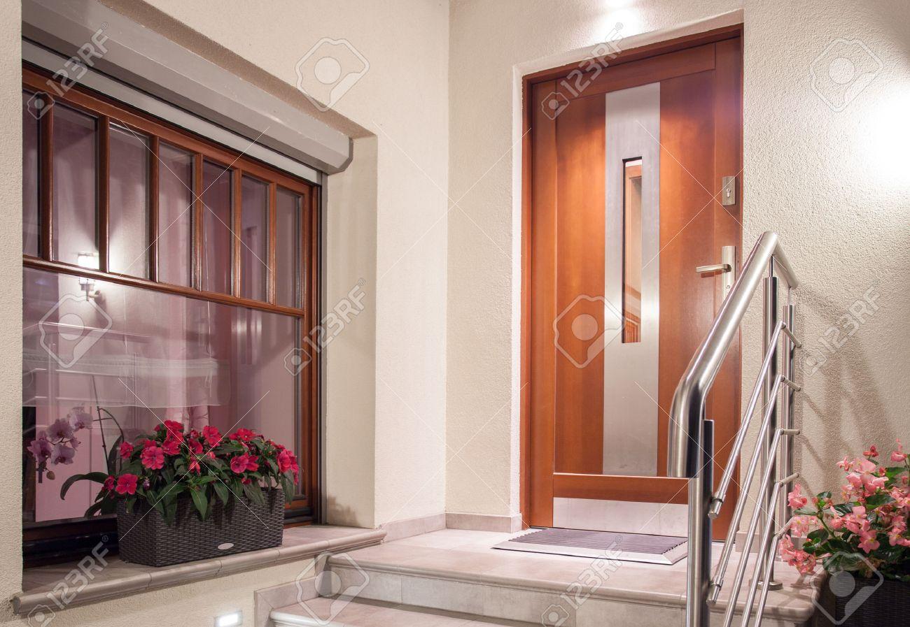Casa puerta de entrada en el diseo minimalista moderna