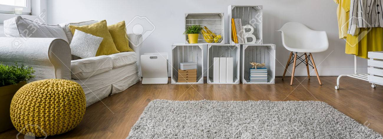 Cozy and fluffy carpet where children can play - 52250694