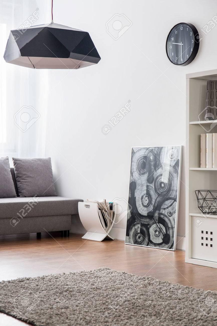 Zimmer Mit Teppichboden Bodenbelage Sofa Bucherregal Und Moderne