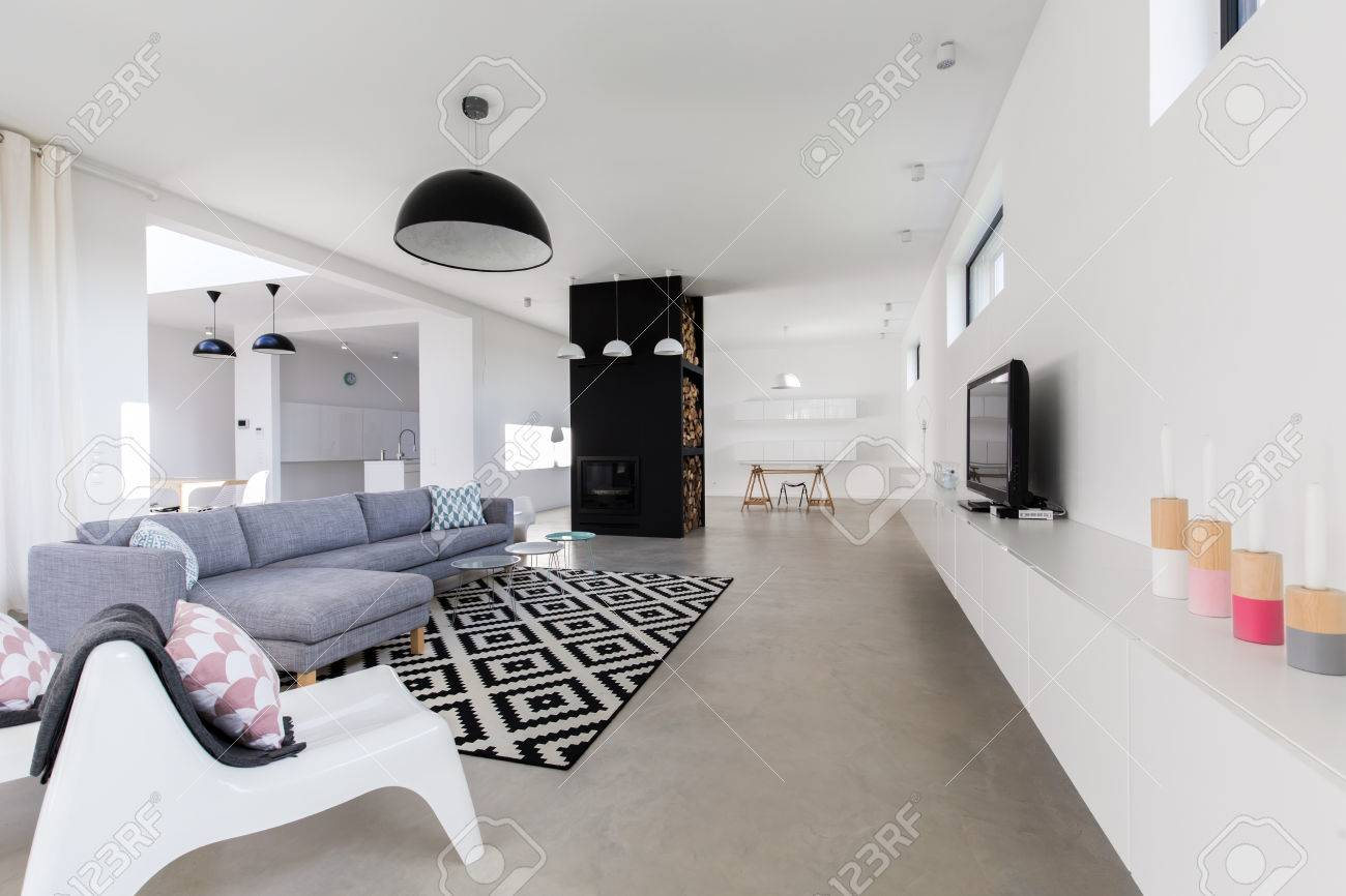 Salon Moderne De Luxe Dans La Grande Maison Chère Banque D\'Images Et ...