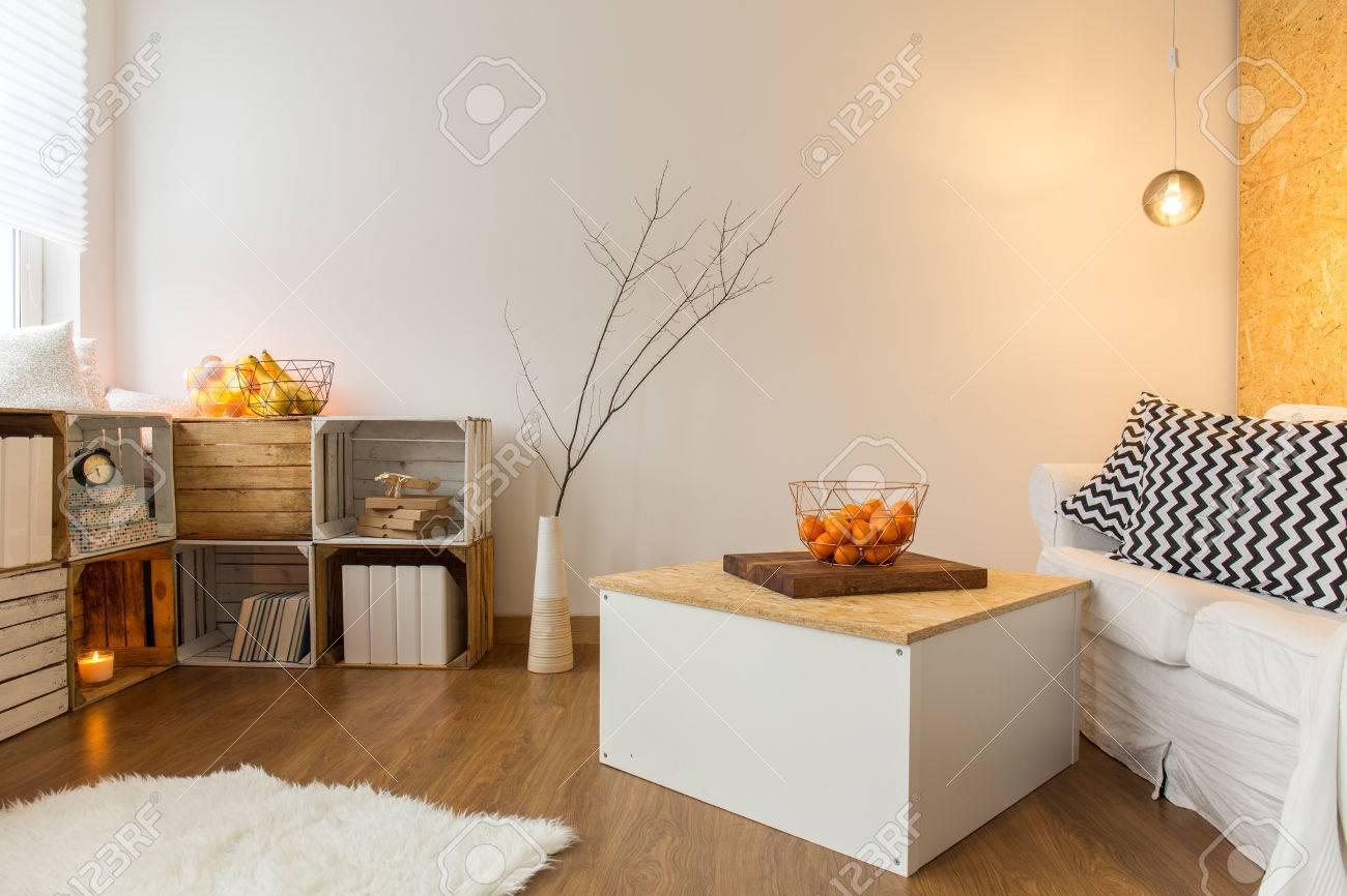 Vistoso Sala De Estar Con Sofá Muebles Blancos Foto - Muebles Para ...