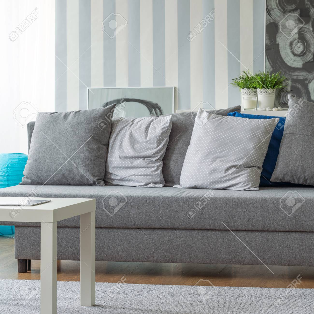 Phenomenal Picture Of Grey Sofa With Small Decorative Pillows Inzonedesignstudio Interior Chair Design Inzonedesignstudiocom