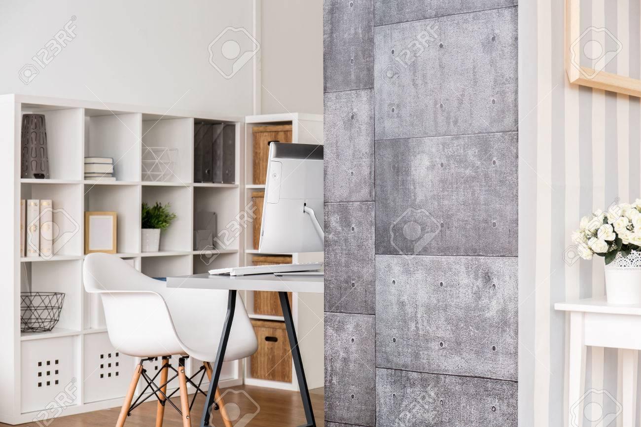 Pareti Con Fotografie : Immagini stock frammento di un moderno appartamento con angolo