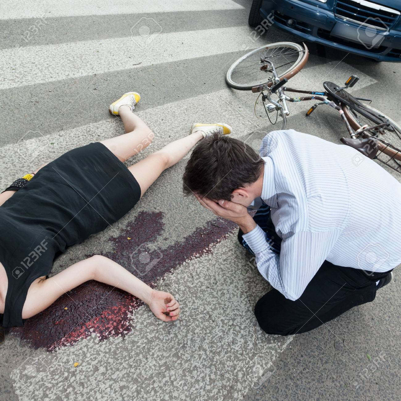 [Image: 59136188-a-dead-woman-lying-on-the-road-...crying.jpg]