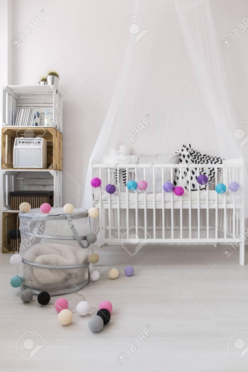 Conception élégante Et Moderne D\'une Petite Chambre Pour Bébé Avec ...