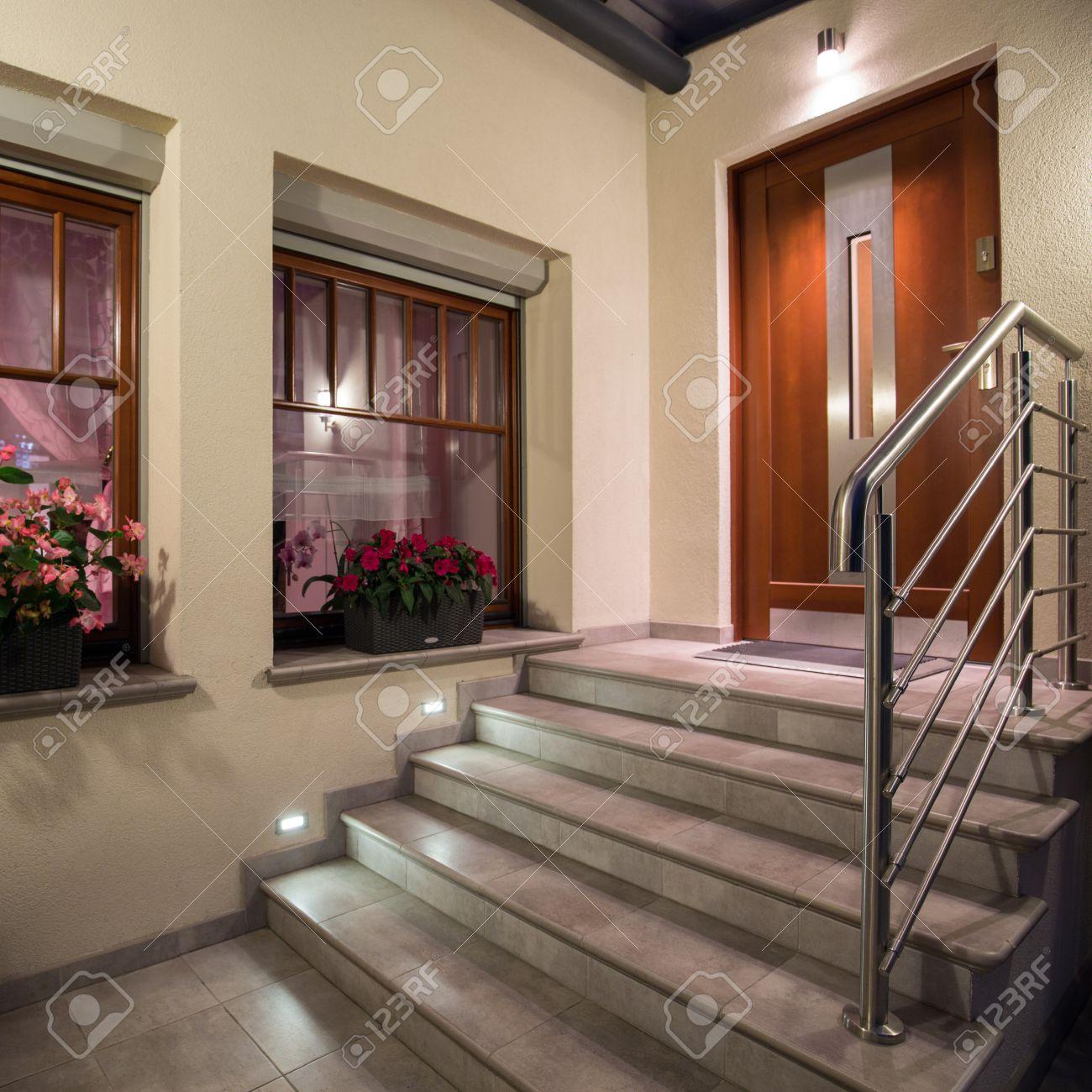 Escaleras De Casas Modernas. Latest Cunto Mide Una Escalera With ...