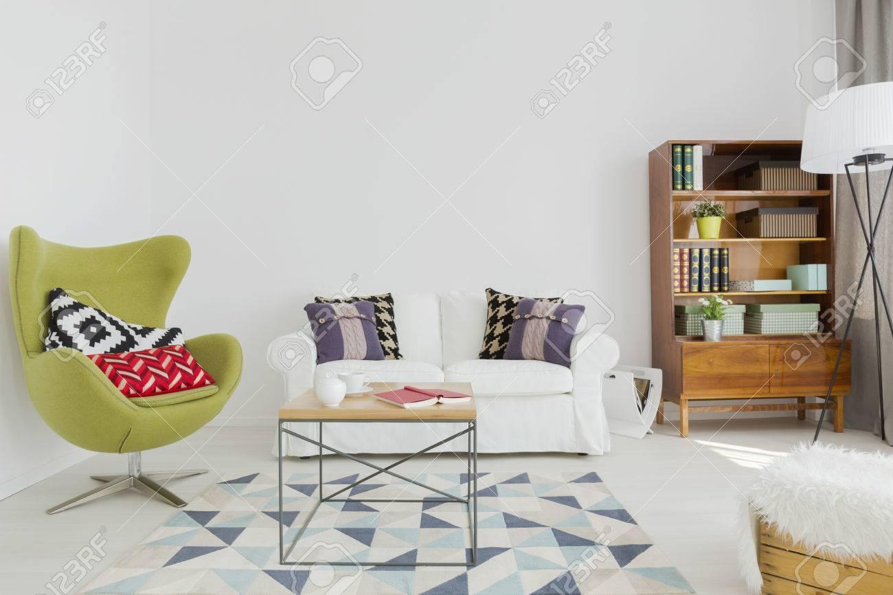 Ansprechend Sofa Grün Das Beste Von Interessante Aufenthaltsraum Mit Einem Gemütlichen Sofa, Grün