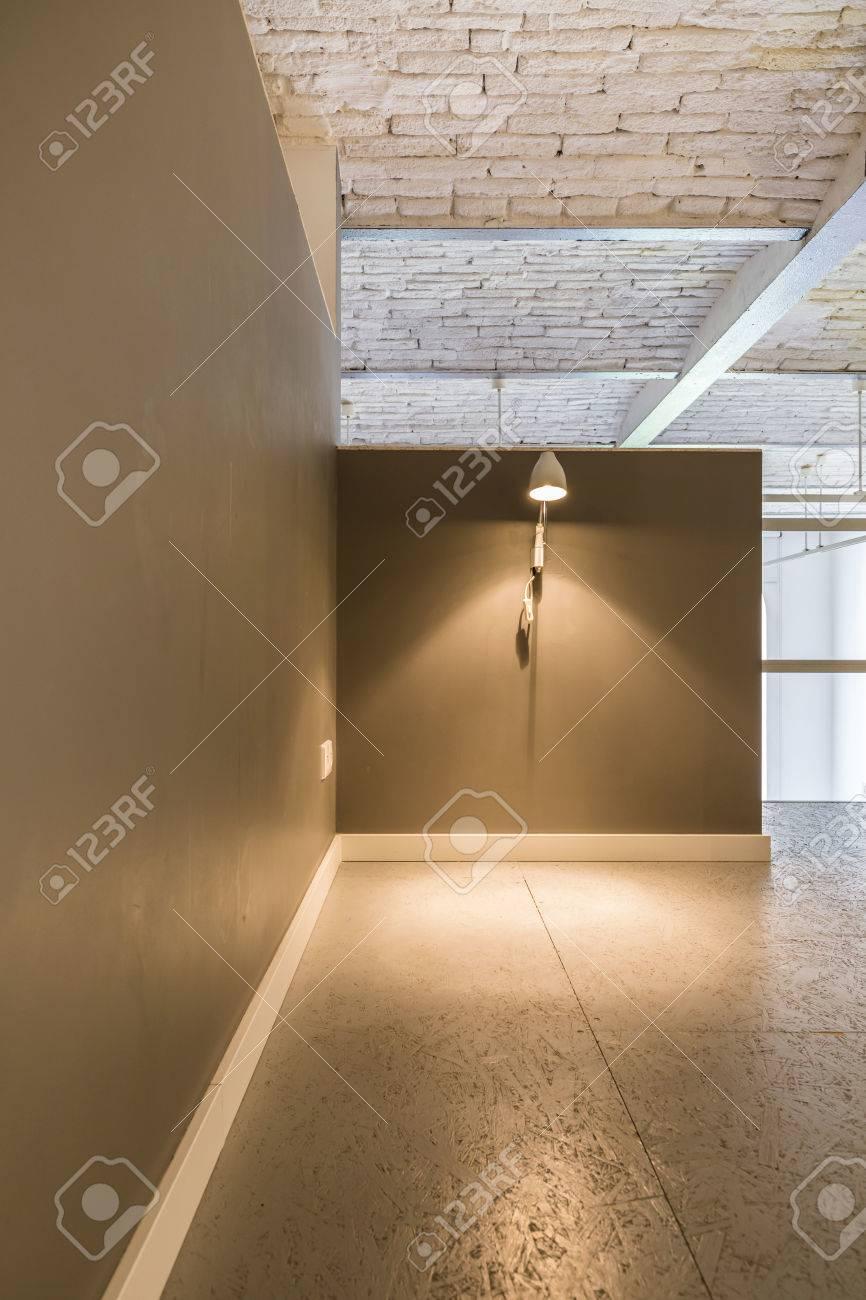 Couloir Spacieux Dans Un Interieur Moderne Avec Elegant Plafond En