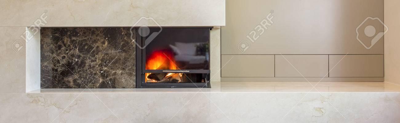 Superieur Neues Design Aus Weißem Granit Kamin In Einer Modernen Villa Standard Bild    59807453