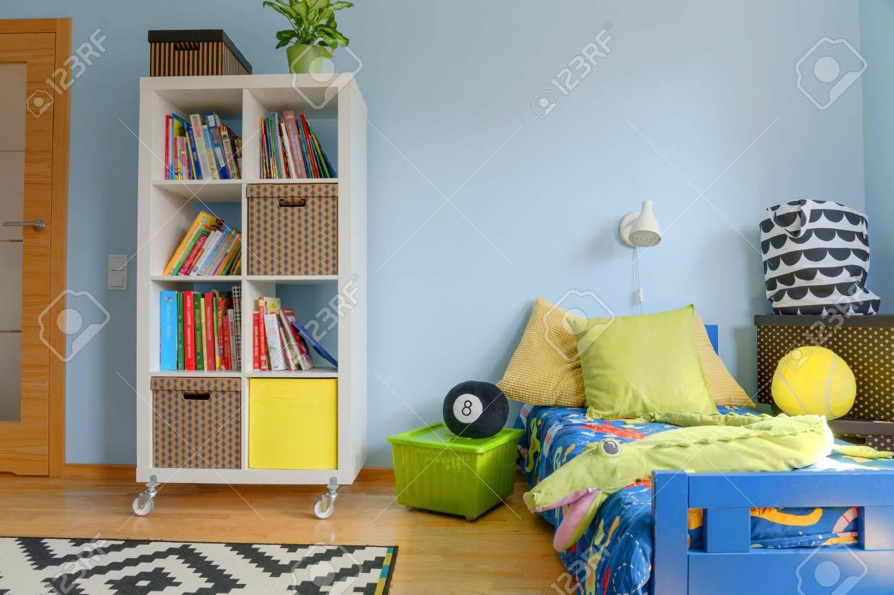 Prise de vue d\'une chambre d\'enfant moderne et coloré