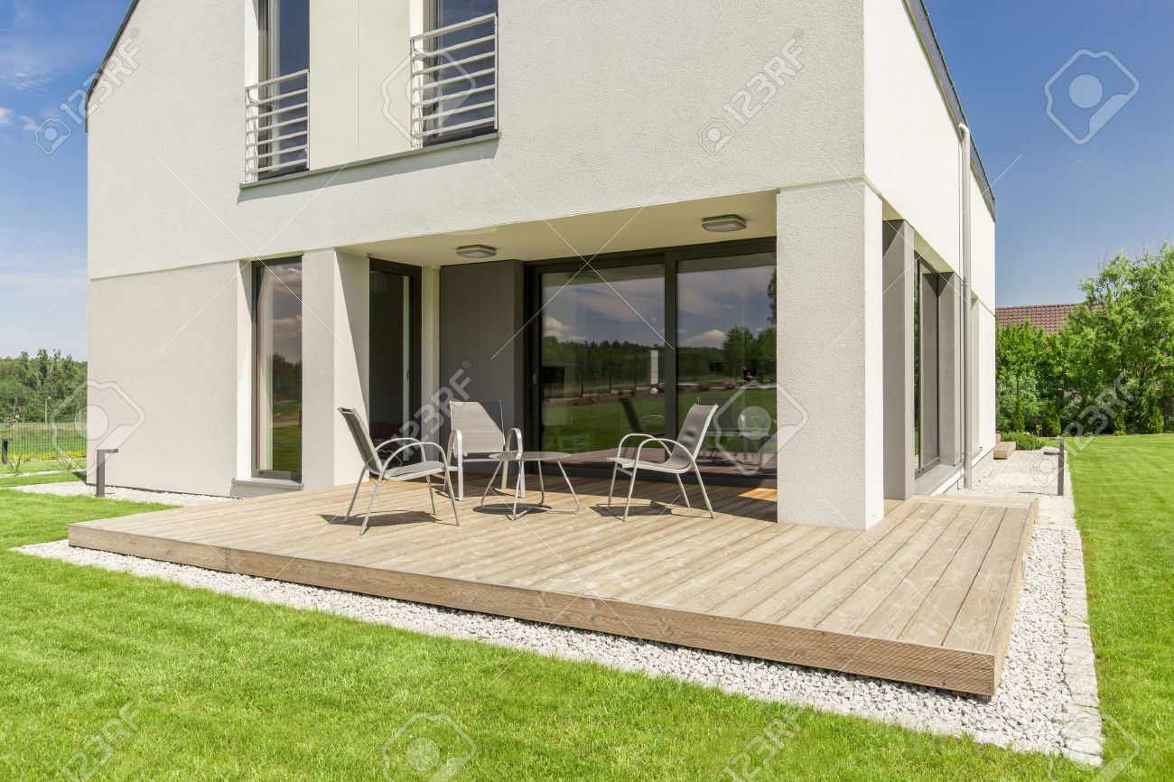 Wooden patio design- small terrace idea for modern house - 61298403
