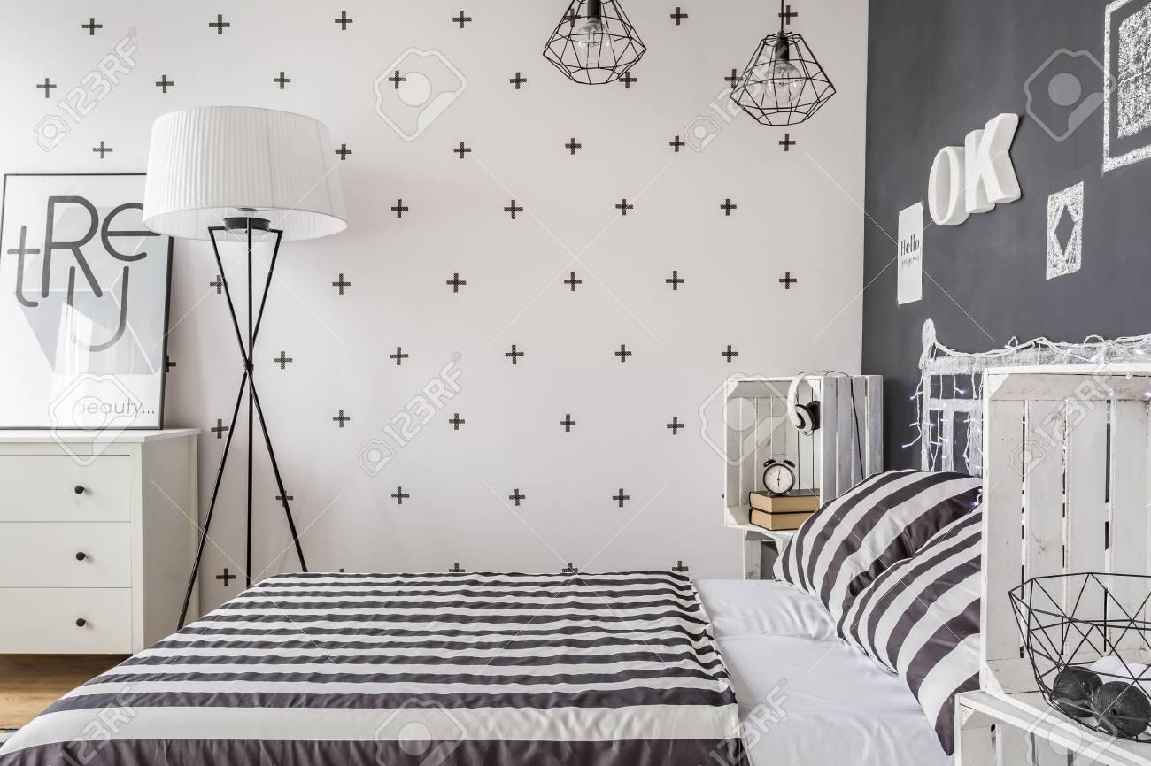 Schlafzimmer Neuer Stil In Schwarz Und Weiss Mit Tafel Wand Und Diy