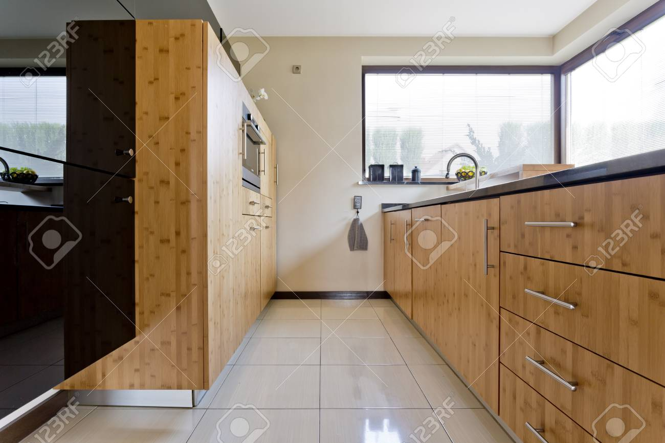 Exclusive Narrow Idée De Cuisine En Bois Dans La Maison Contemporaine