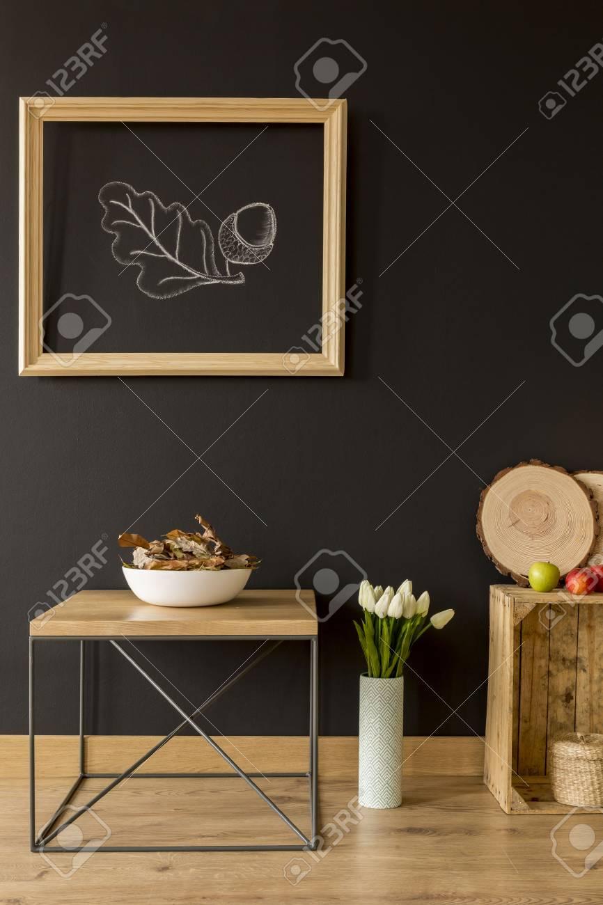 Superbe Banque Du0027images   Chambre Avec Mur Noir Et Des Meubles En Bois écologique