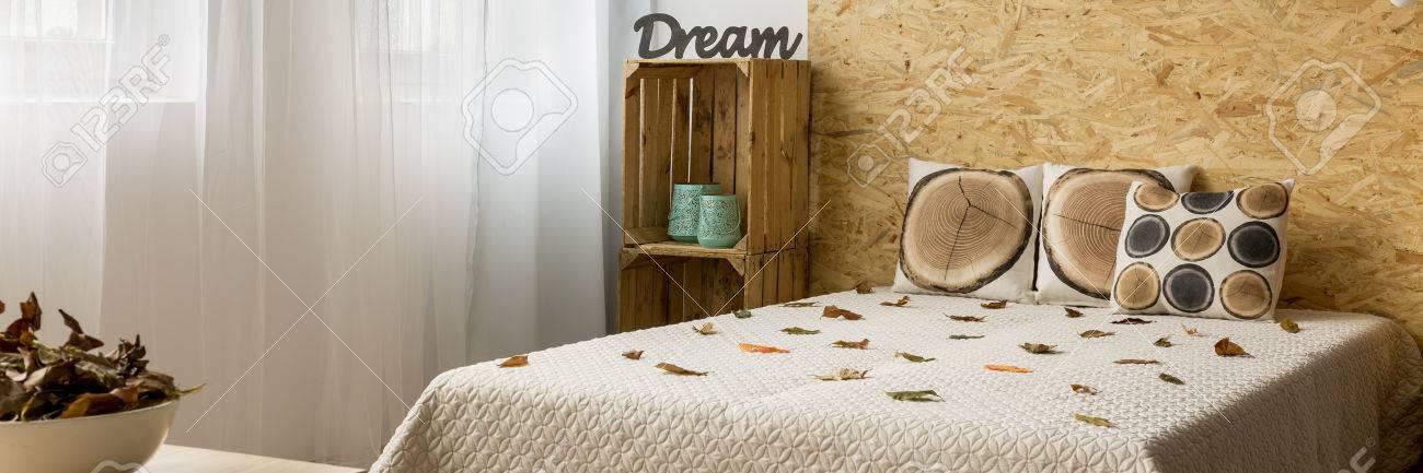 fall slaapkamer ideen natuur herfst inspirerende decoraties stockfoto 64788305