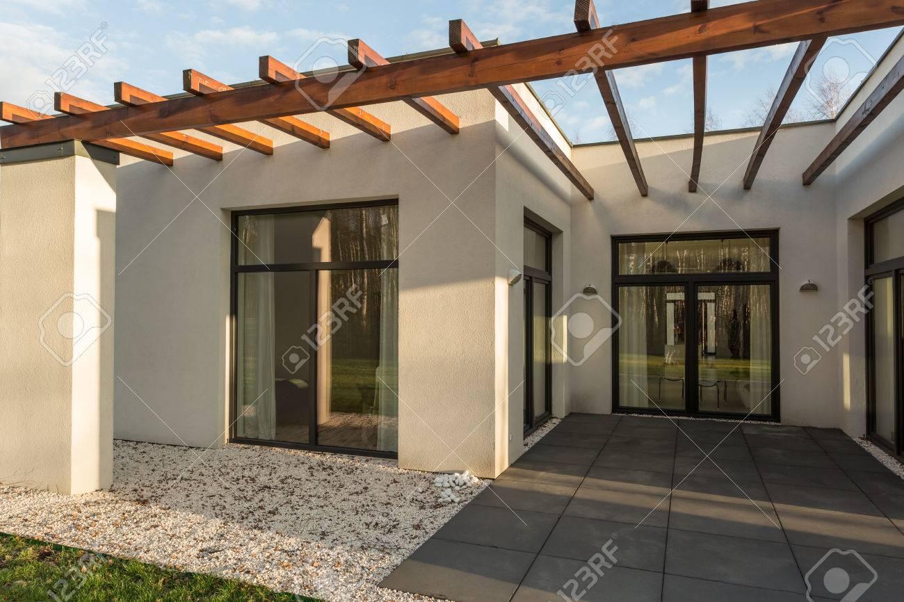 Minimalist Beton Haus Design Mit Grossen Fenstern Eine