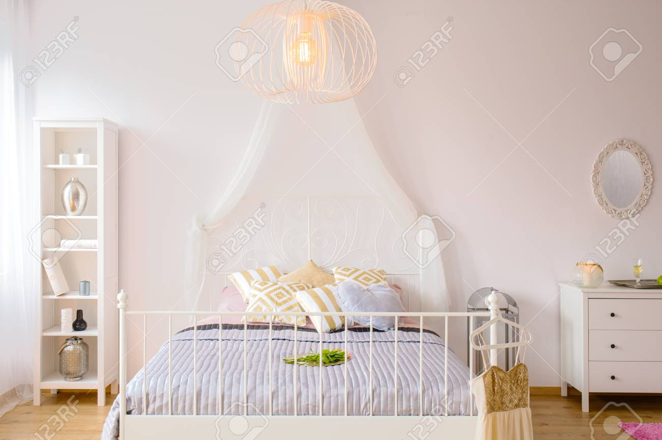 Bed With Canopy And Headboard Decorative Lamp And White Furniture