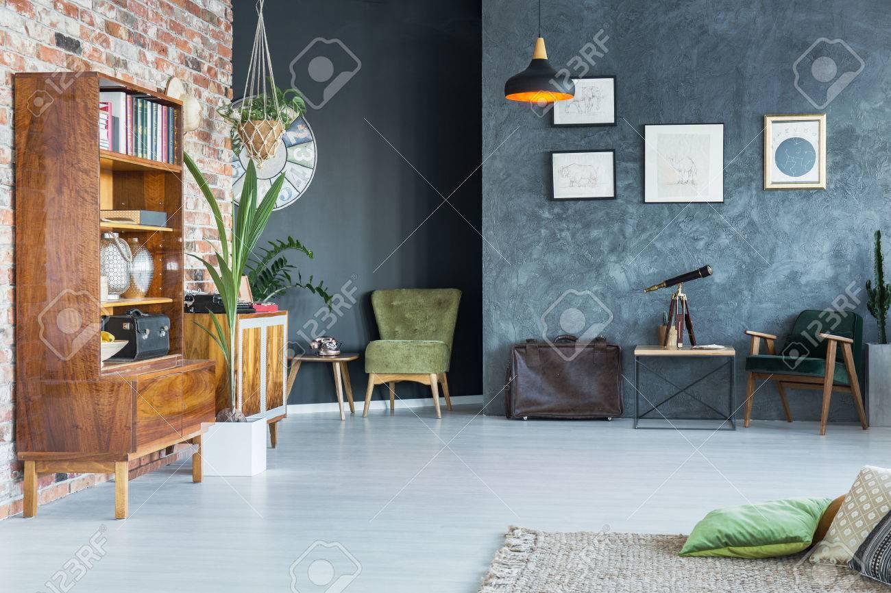 Das Modern Gestaltete Wohnung Interieur Mit Stilvollen Möbeln ...