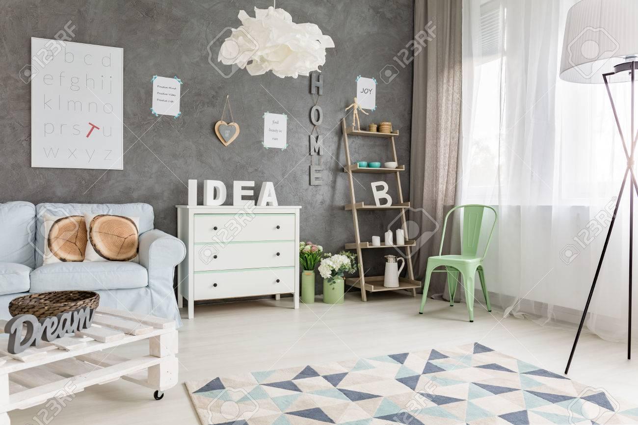 Moderne Einrichtung Pastell : Moderne Studio Apartment Mit Pastell Möbel  Und Große Fenster