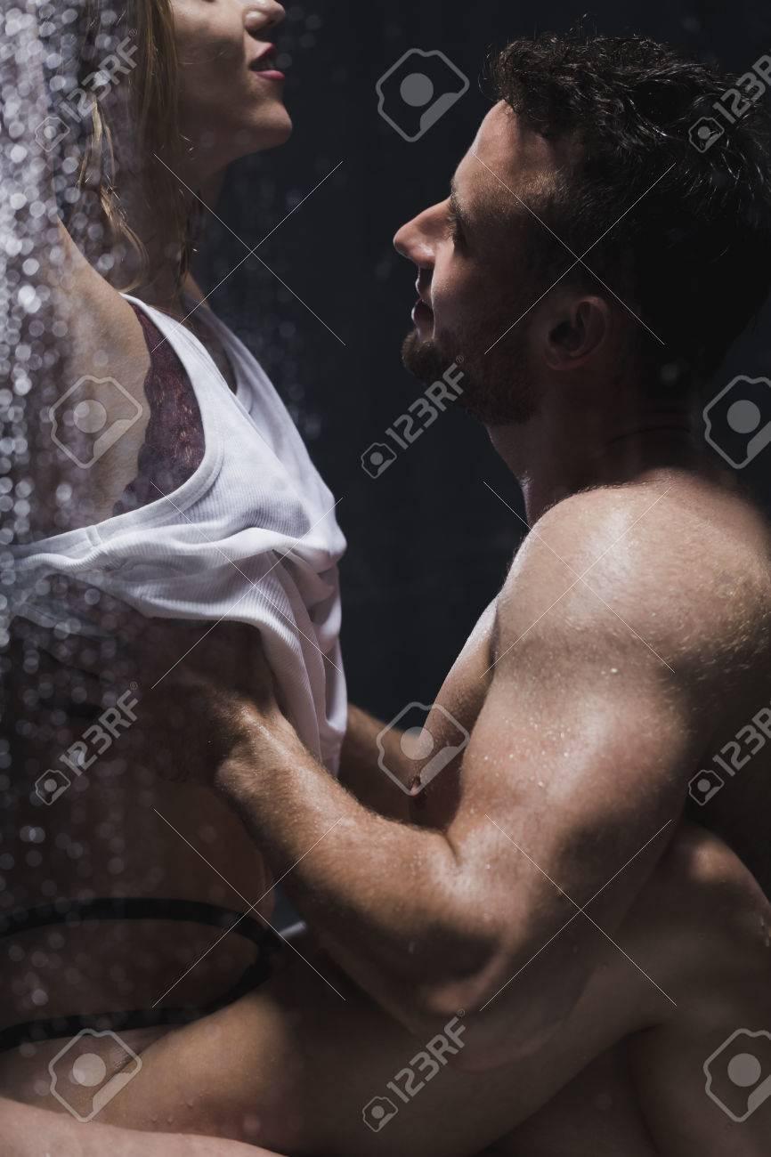 Schöne frau beim sex